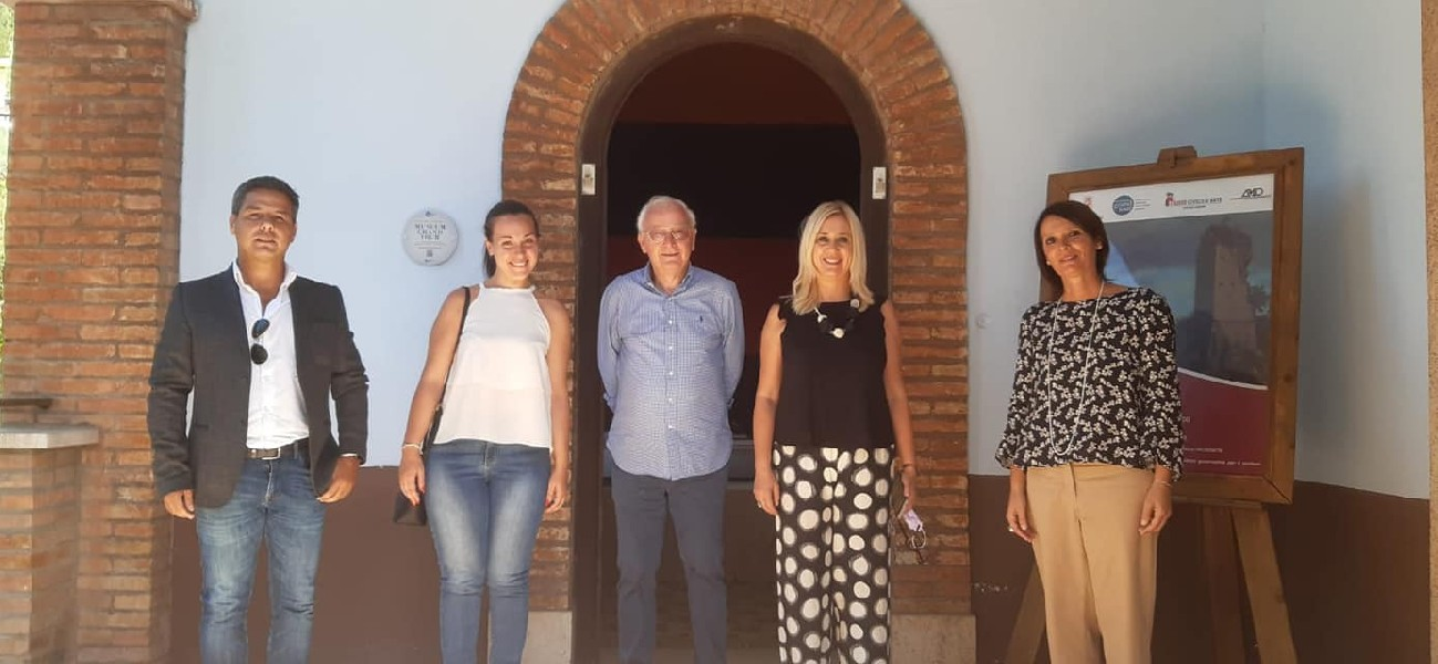 https://www.agenziaeventi.org/immagini_news/03-09-2021/olevano-romano-in-tv-rai3-in-visita-al-museo-civico-e-al-bosco-della-serpentara-2493-600.jpg