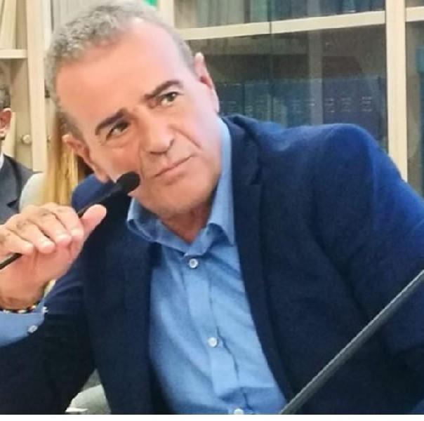 https://www.agenziaeventi.org/immagini_news/17-04-2021/uncem-lazio-achille-bellucci-auspicabile-reintroduzione-firme-presentazione-liste-elettorali-piccoli-paesi-montani-600.jpg