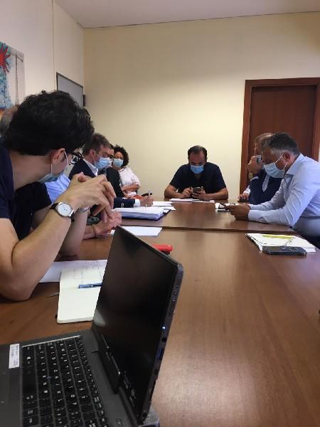 https://www.agenziaeventi.org/immagini_news/19-10-2020/luciano-romanzi-presidente-insieme-sindaci-captazioni-fiume-aniene-600.jpg