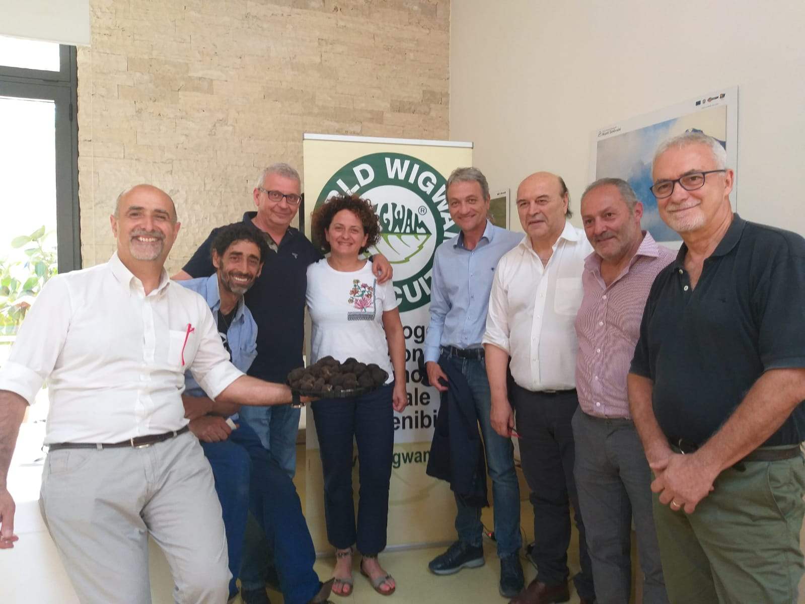 https://www.agenziaeventi.org/immagini_news/23-08-2019/1566573012-320-.jpg